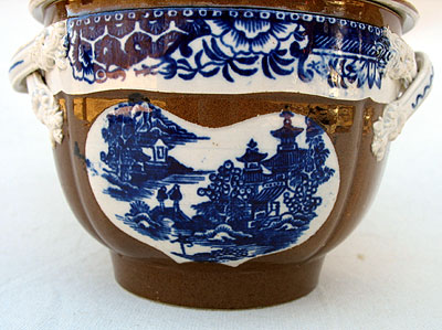 Accessories<br>Accessories Archives<br>SOLD   A Pearlware Batavia Sugar Bowl