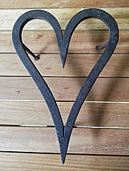 A sweet iron heart trivet